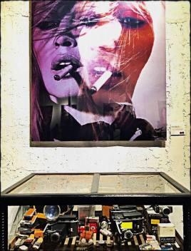 Musa Bardot e Máquinas Fotográficas de Querer Voltar no Tempo